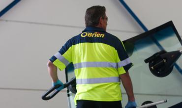 O'Brien® windscreen technician
